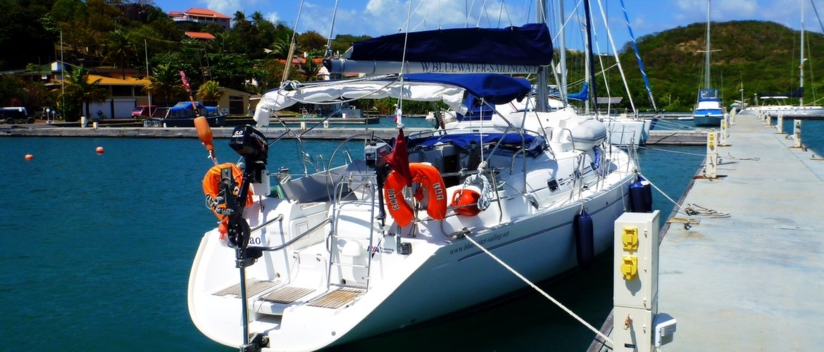 Chao Lay is a Beneteau Oceanis 461.