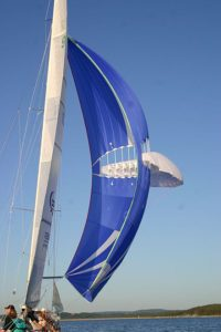 How to trim the mainsail with twist.